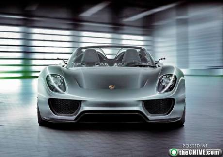 Frontal view of 918 Spyder Concept